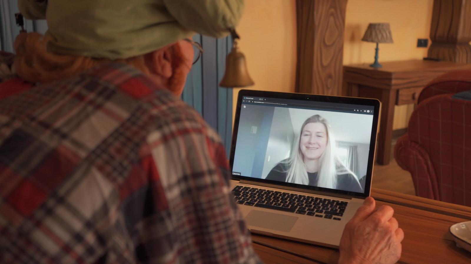 VIDEO: Kabouter Klus zoekt 750 nieuwe medewerkers via online sollicitatiegesprek