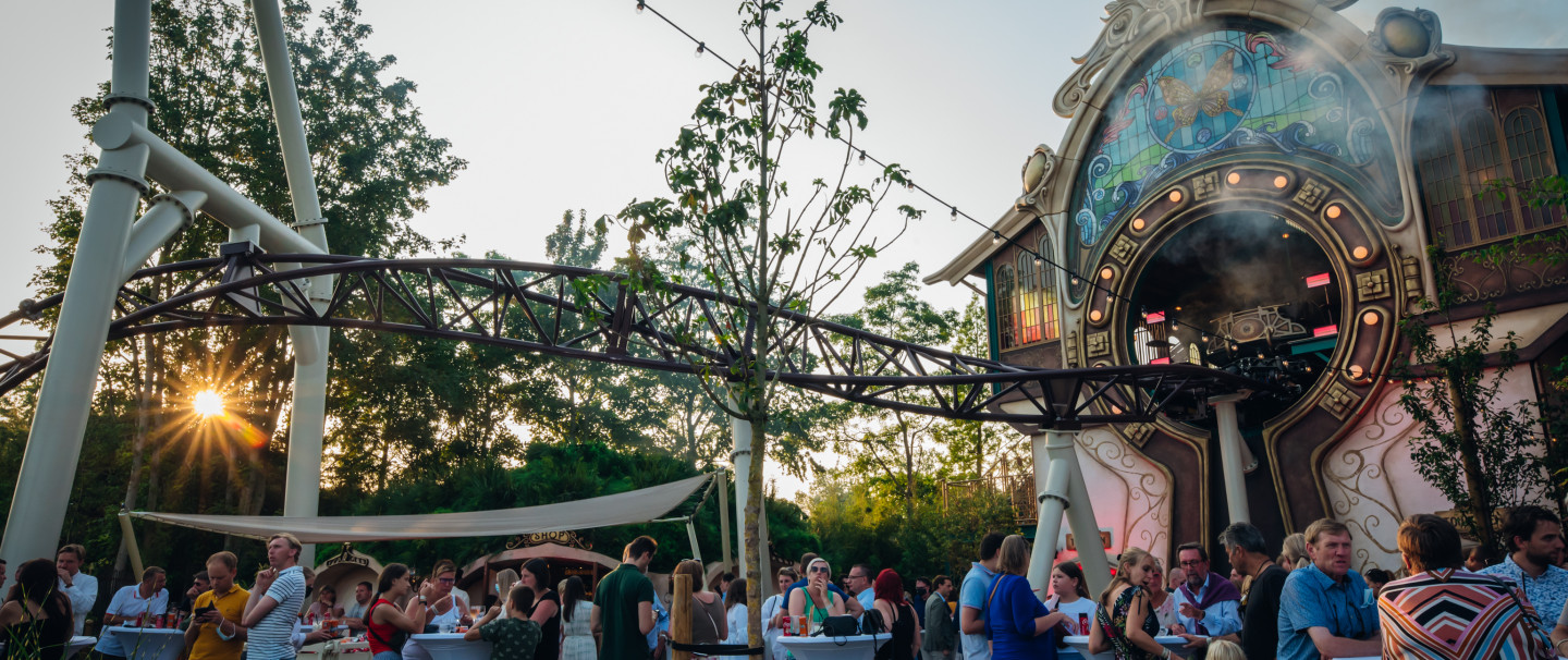 VIDEO: Spectaculaire opening 'The Ride To Happiness by Tomorrowland' in Plopsaland De Panne
