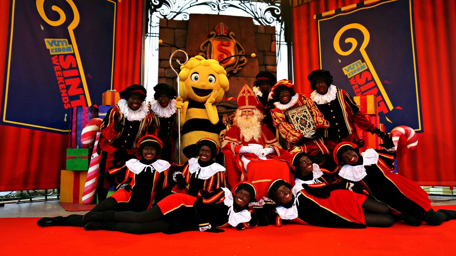 Plopsaland De Panne et Plopsa Indoor Hasselt fêtent l'arrivée du grand Saint-Nicolas